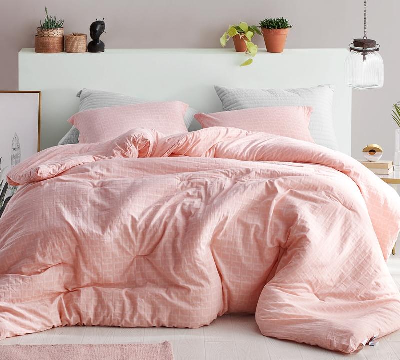 True Oversized Queen Comforter Yarn Dyed Super Soft Cotton Queen Bedding Designer Highlands Coral Pink