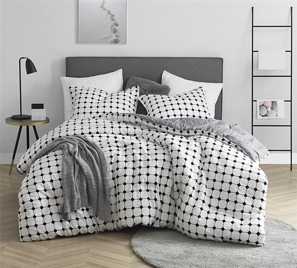 Extra Large King Designer Comforter Set Black and White Moda XL King Bedding with Unique Grid Pattern