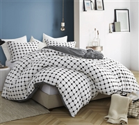 Essential King XL Duvet Cover for Oversized King Comforter Designer Moda Soft 100% Cotton King Bedding with Black and White Grid Design