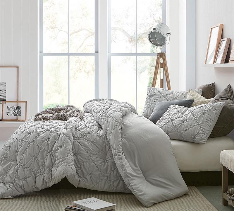 Farmhouse Morning Textured Bedding Oversized King Comforter Glacier Gray