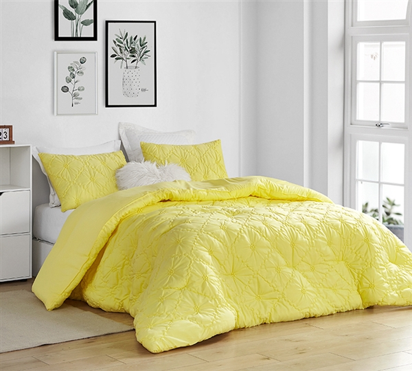 Farmhouse Morning Textured Bedding - Oversized Queen Comforter - Limelight Yellow