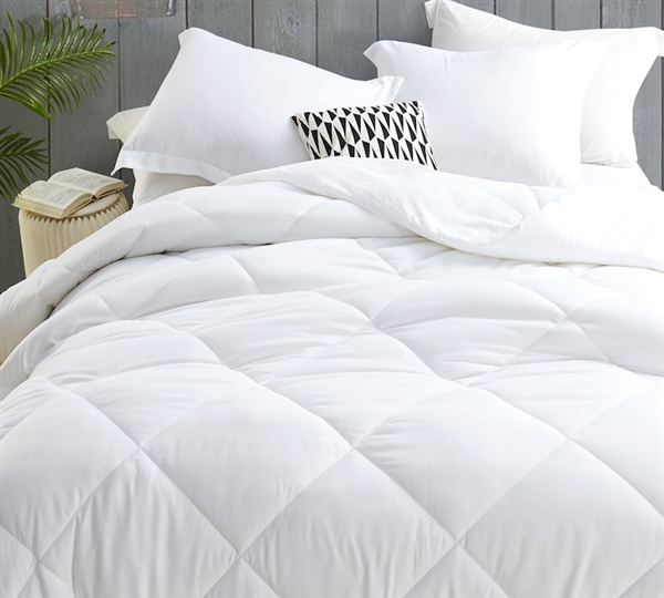 "68"" x 90"" Twin Extra Large Duvet Insert Down Alternative Ultra Cozy Bedding with Soft Microfiber Exterior"
