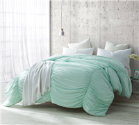 Extra Large Full Cozy Microfiber Comforter in Unique Mint Green and Stylish Wave Textured Detailing