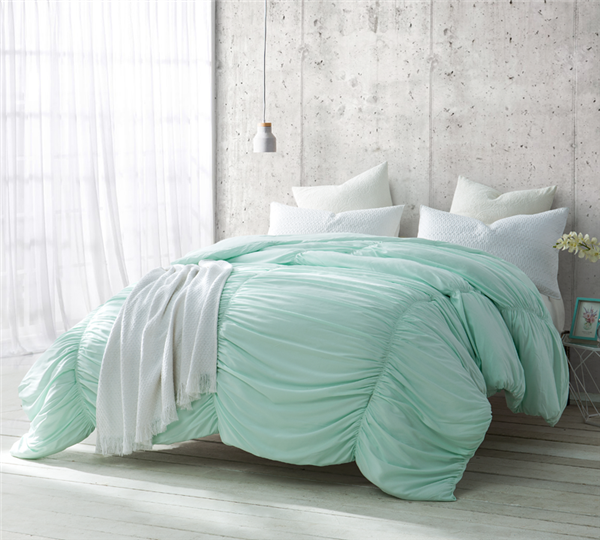 Stylish King XL Bedding Decor Unique Hint of Mint Waves Green King Extra Large Comforter Made with Soft Microfiber