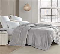 Super Soft Stylish Gray Blanket in King Size Extra Warm Plush Material for Use on Bed or Sofa
