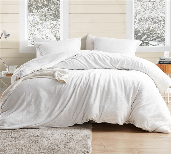 Easy to Match Extra Large Twin Duvet Cover in Stylish Off-White with Luxury Plush and Matching Shams
