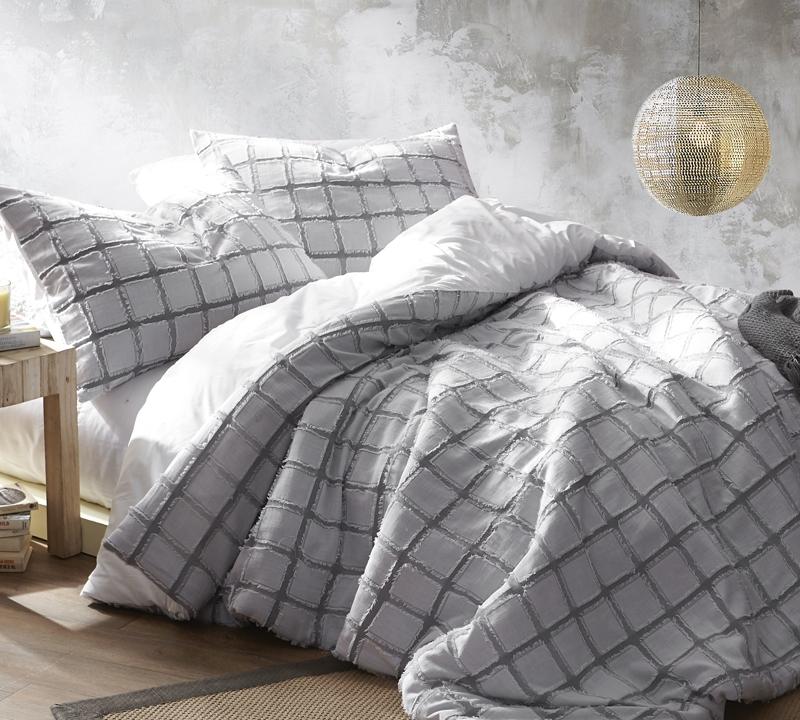 Frayed Edgings King Comforter - Oversized King XL - White/Gray
