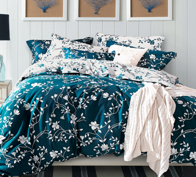 Moxie Vines Teal And White King Comforter Oversized King