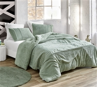 Oversized Green King Comforter with Plush Bedding Material and Stylish Gold Decorative Band
