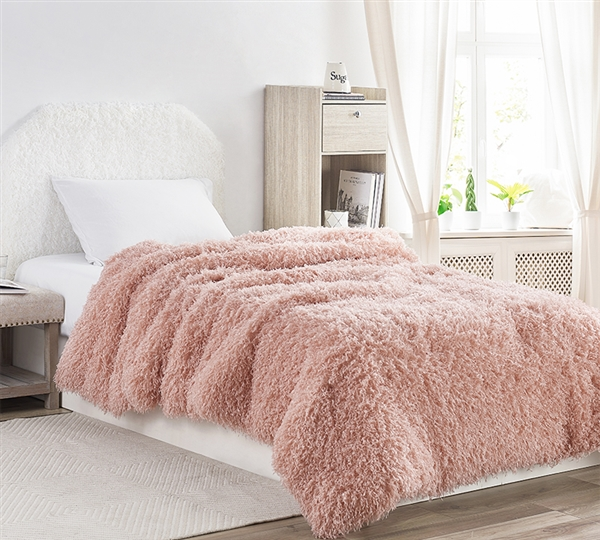 Super Stylish Twin XL Bedding Essential Birds of a Feather Desert Blush Pink Faux Feather and Plush Twin Oversize Comforter