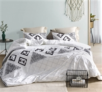 Cozy Cotton Oversized Twin XL Bedding for Twin or Twin XL Bed in Stylish White with Intricate Navy and Gray Detailing