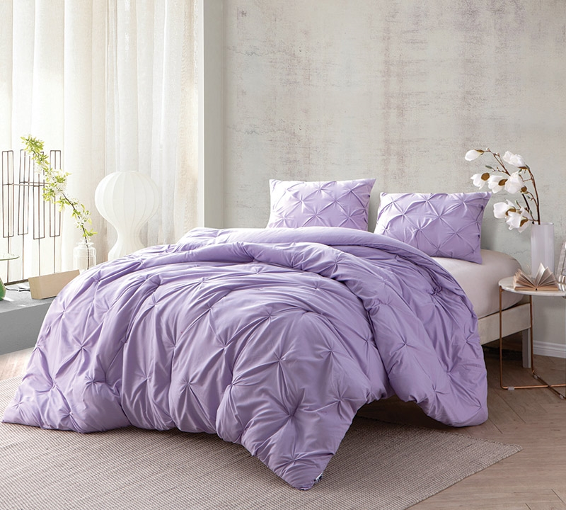 High Quality Orchid Petal Pin Tuck Full Comforter   Oversized Full XL Bedding