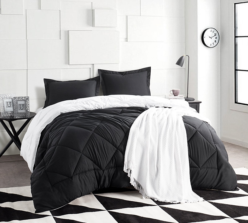 Black/White Full Comforter   Oversized Full XL Bedding