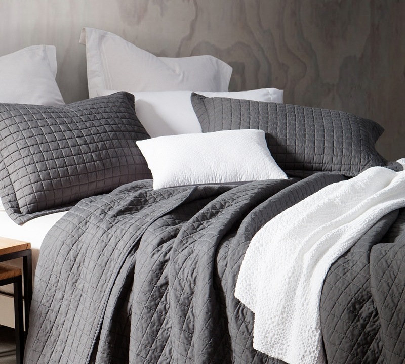 cozy soft king xl quilt - pewter - oversized - pre-washed
