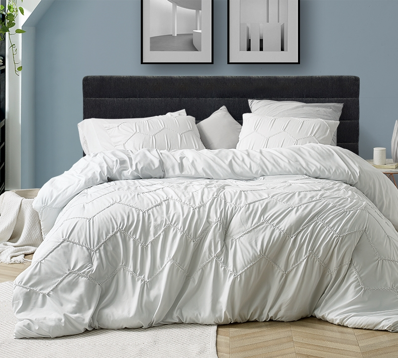 Textured Waves King Comforter Supersoft Farmhouse White