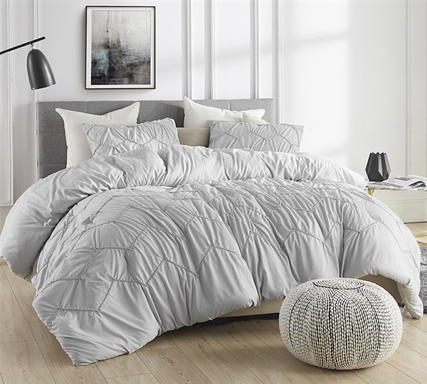 Oversized Gray Full XL Comforter in Stylish Neutral Gray with Textured Wave Design and Cozy Microfiber