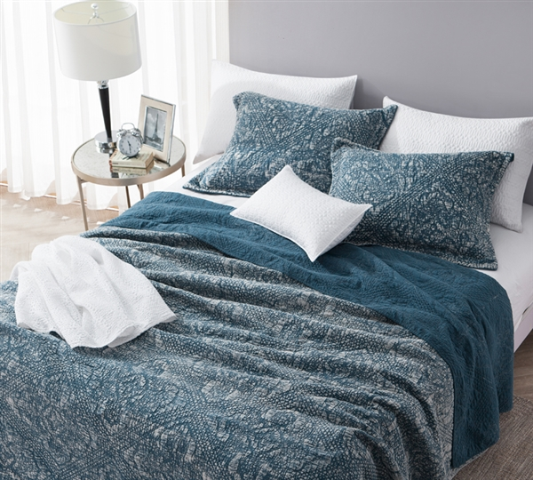 Gradient Stone Washed Cotton Quilt Nightfall Navy