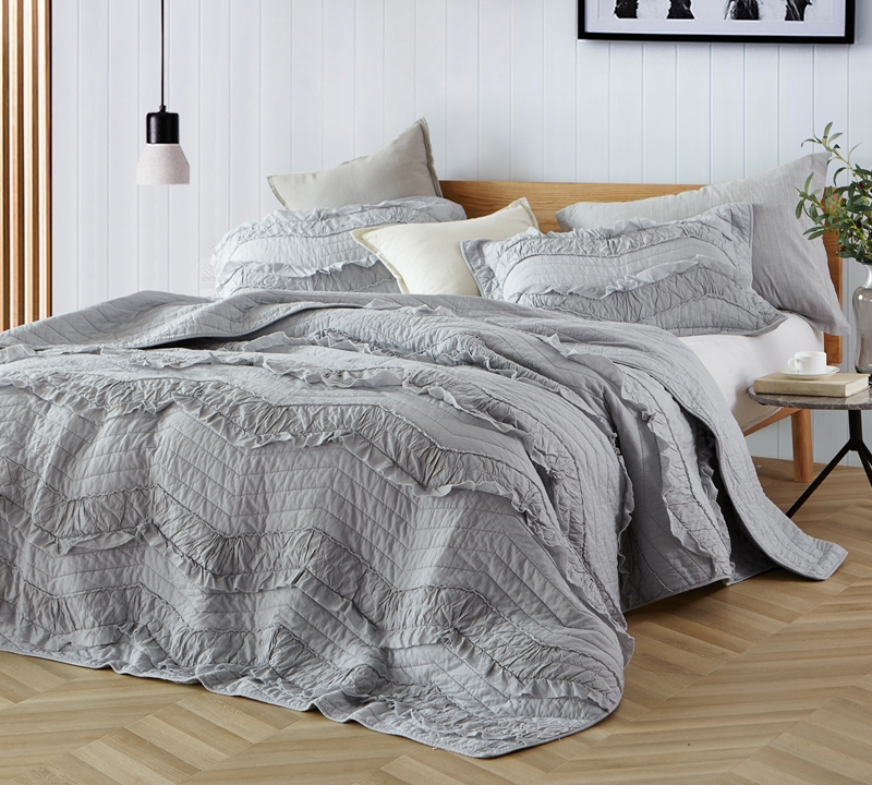 One Of A Kind King Sized Bedding Stylish Gray Oversize Decor And Cozy