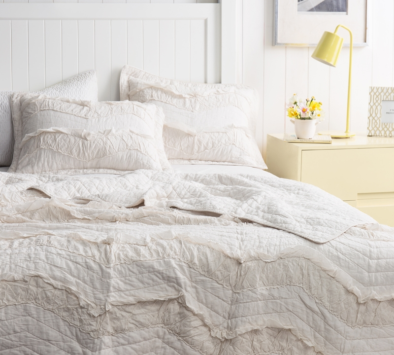 Oversized Twin Extra Long Off White Single Tone Quilt