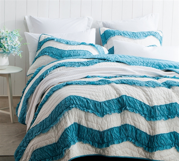 King Oversized Bedding Two Tone Off White Jet Stream And