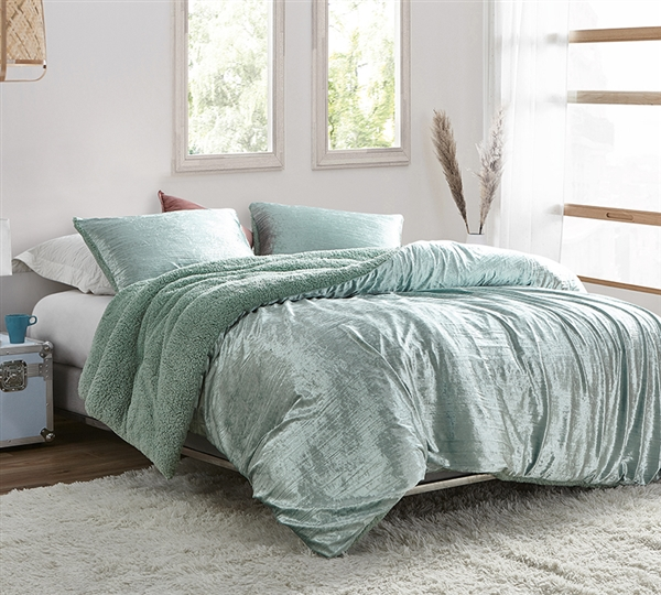 Velvet Crush - Coma Inducer Oversized Twin Comforter - Crinkle Iced Green