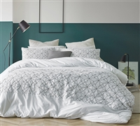 Easy to Match Stylish White and Gray Textured Oversized King Comforter with Super Soft Cotton
