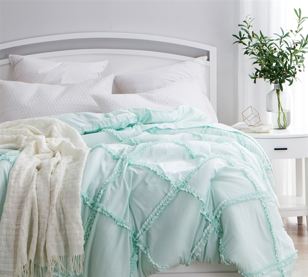 Oversized Full XL Comforter in Stylish Ruffled Texture Design and Unique Mint Color with Cozy Microfiber