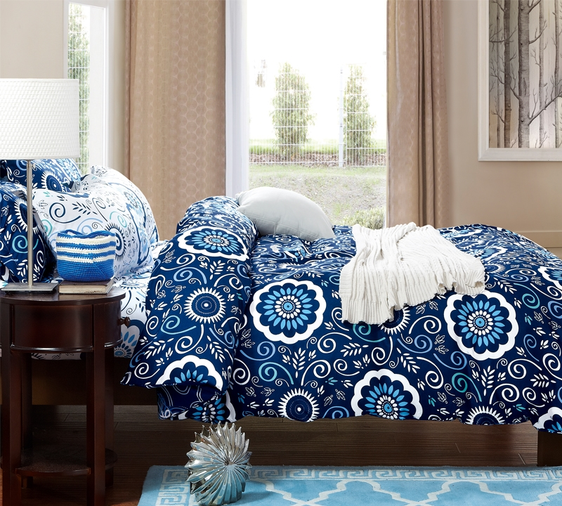 Attractive Aqua Notes Queen Comforter   Oversized Queen XL Bedding