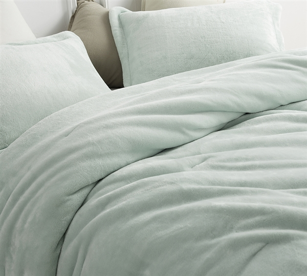 Best Oversized Comforter for Queen Size Bed Hint of Mint Coma Inducer Me Sooo Comfy Super Soft Queen XL Bedding
