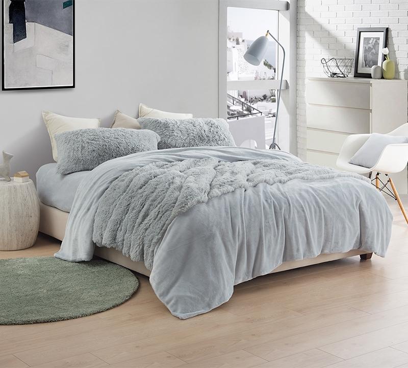 Light Gray Sheet Set Made With Luxury Plush C Fleece For Ultimate Comfort
