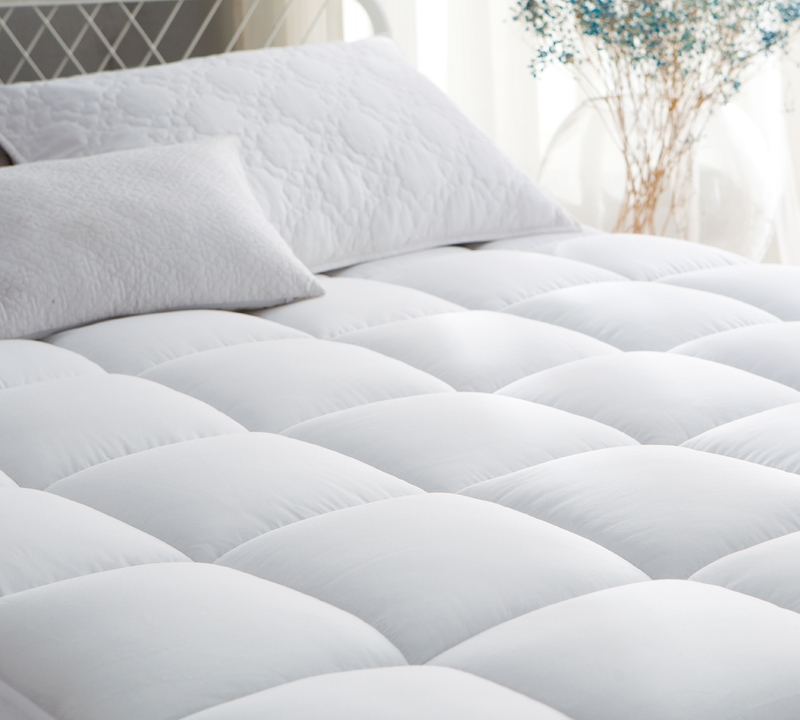 Ultimate Thickness   Down Alternative California King Mattress Pad