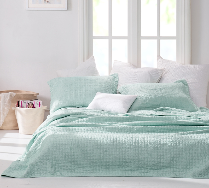 Wrinkle Quilt Hint Of Mint Stone Washed Oversized Twin Xl