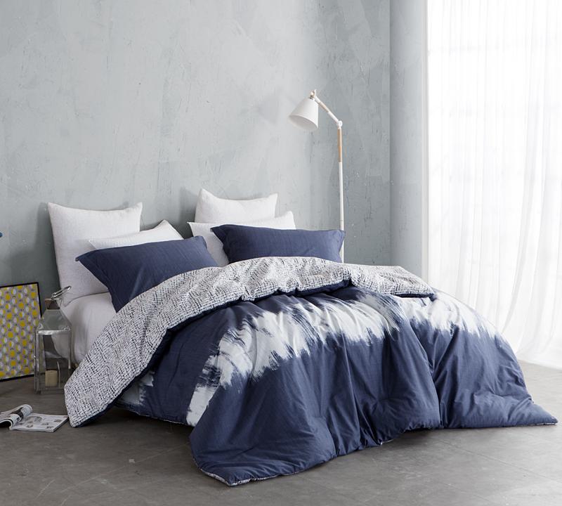 Navy Blur Full Comforter   Oversized Full XL Bedding