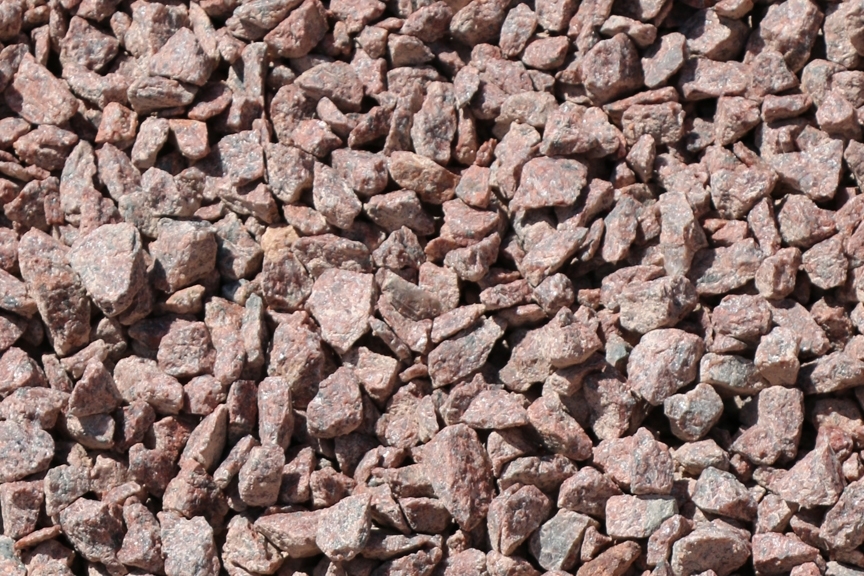 Ruby Red Granite Gravel 1/2"