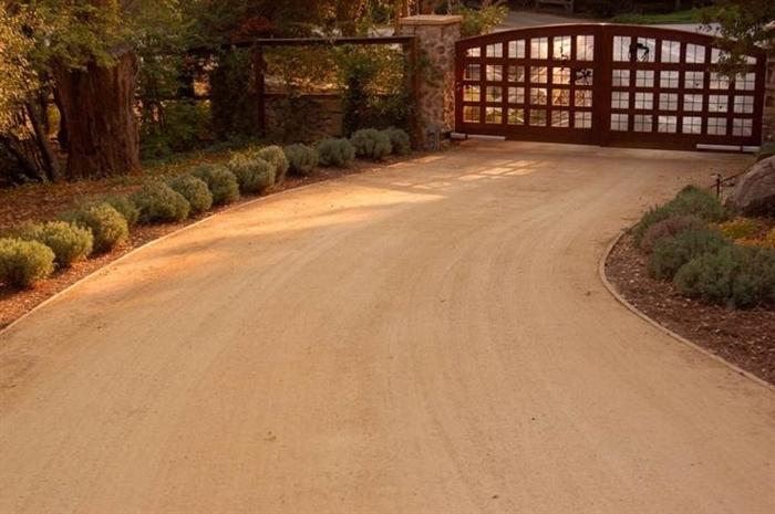 Grey Pea Gravel Driveway