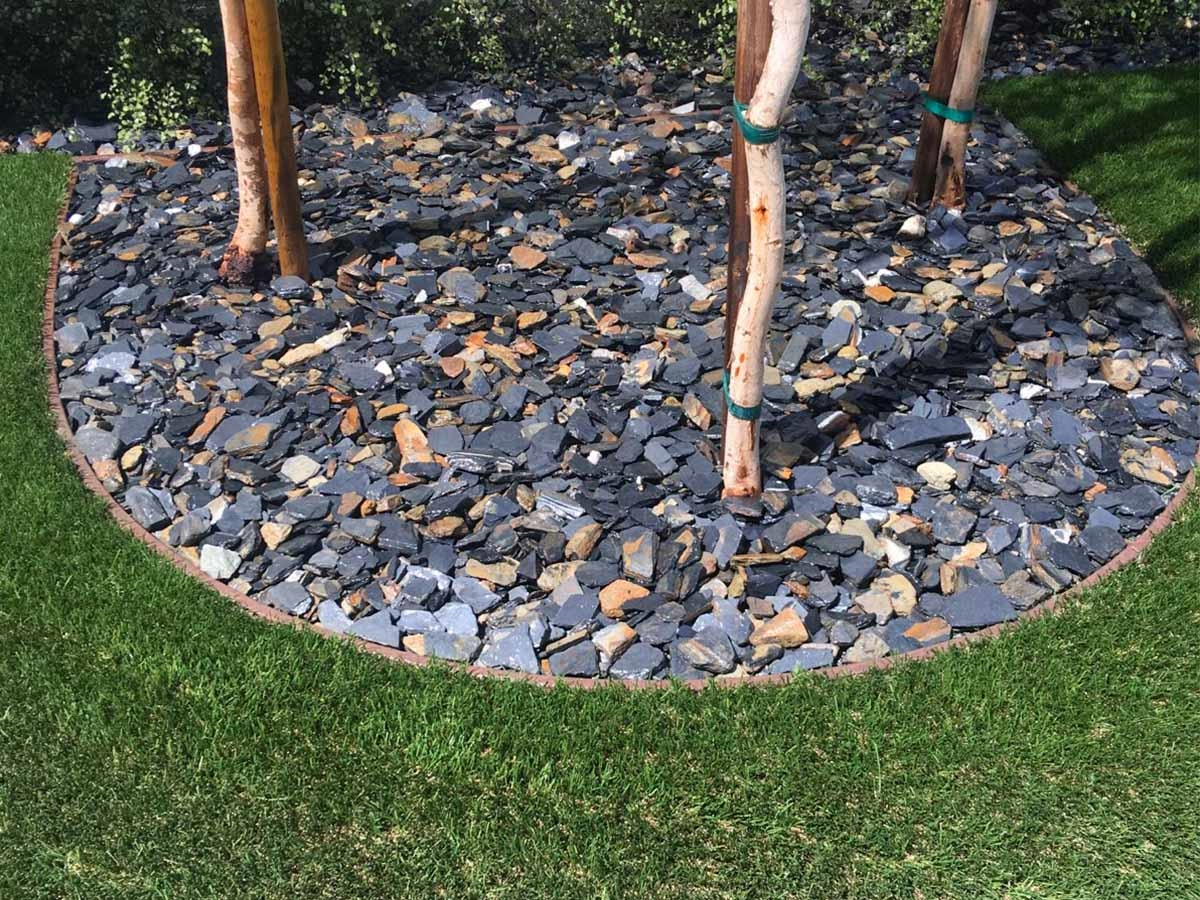 How many square feet in 1 ton of gravel
