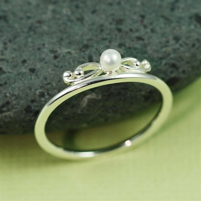Silver Floral Pearl Ring