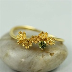 Gold Flower Peridot Ring