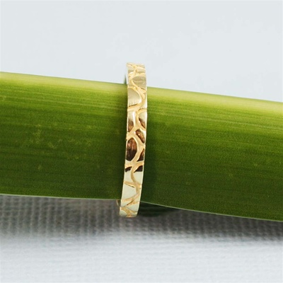 Gold Pattern Band Ring