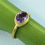 Gold Oval Amethyst Ring