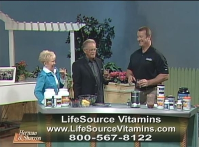 Bruce Brightman - Founder of LifeSource Vitamins - JUICING