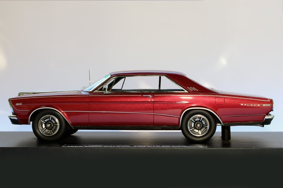 1966 Ford Galaxie 500 7 Litre Hardtop Barn Find Edition In Dark Red 1 24