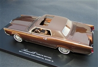 1971 Lincoln Continental Mark III 1:24 Tribute Edition in Ginger Bronze