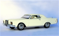 1971 Lincoln Continental Mark III Platinum Edition Triple White 1:24