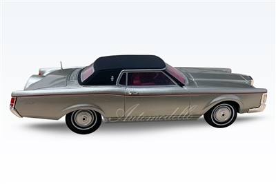 1970-1971 Lincoln Continental Mark III Silver 1:43 Standard Edition