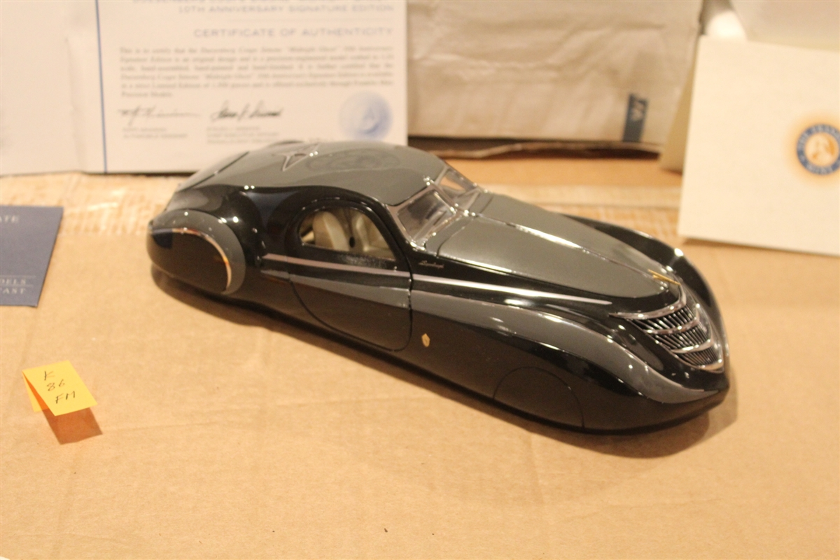 "1939 Duesenberg Coupe Simone ""Midnight Ghost"" Black Grey 1:24 Franklin Mint"