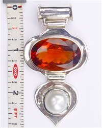 hessonite colored quartz pearl pendant