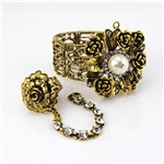 Gold Flower and Pearl Elastic Bracelet With Attached Ring