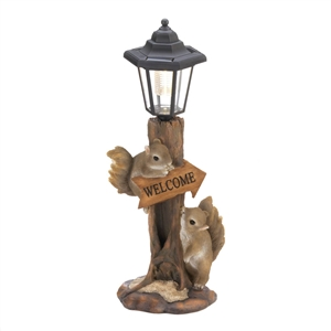 Friendly Squirrels Welcome Solar Lamp