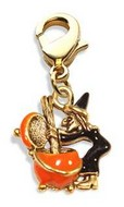 Witch Charm Dangle in Gold